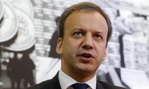 Phó Thủ tướng Nga Arkady Dvorkovich phát biểu trong cuộc phỏng vấn ngày 2/6. Ảnh: Reuters.