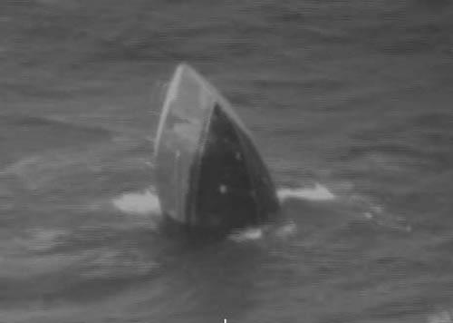 Thuyền viên Việt cứu hai người Mỹ thoát chết trong vụ đắm tàu