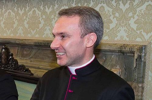 Carlo Capella tại Tòa thánh Vatican năm 2015. Ảnh: CNS.