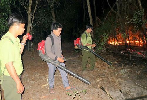 Gần trăm người trắng đêm chữa cháy khu bảo tồn thiên nhiên Tà Cú