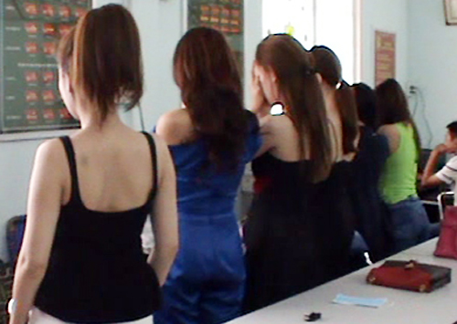 Nhóm hoa khôi môi giới bán thân nghìn USD ở Sài Gòn sắp hầu tòa