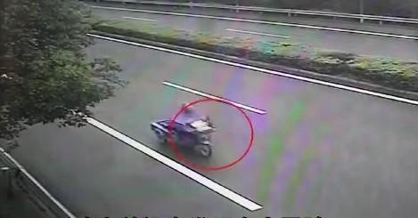 Camera giao thông được trích xuất cho thấy nạn nhân không bị bám theo