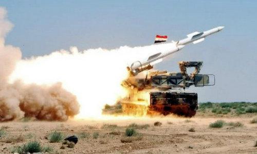 Tên lửa phòng không Syria khai hỏa trong đợt diễn tập hồi năm 2010. Ảnh: SANA.