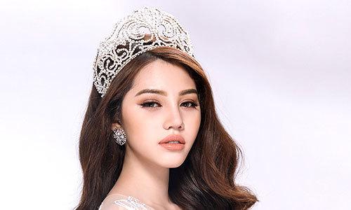 Căn phòng toàn đồ hiệu của Hoa hậu Jolie Nguyễn