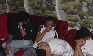 Hàng chục thanh niên phê ma túy trong quán karaoke
