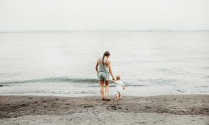 Con gái à, hãy tự hào khi là con của một người mẹ đơn thân
