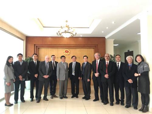 Đoàn đại biểu cấp cao AIT đến thăm và làm việc tại Bộ Giáo dục và Đào tạo Việt Nam ở Hà Nội.