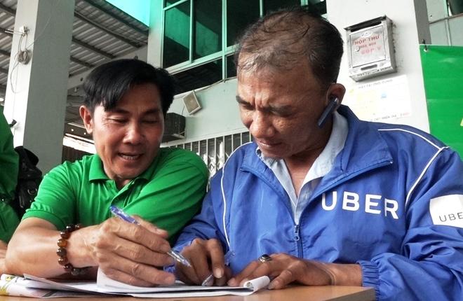 Hàng loạt tài xế Uber đầu quân cho các hãng xe ôm công nghệ Việt