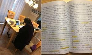Bà dành 5 giờ học tiếng Anh mỗi ngày để giao tiếp với cháu gái