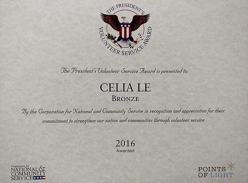 Celia Le từng được Tổng thống Obama trao tặng giải thưởng Phục vụ cộng đồng. Ảnh: NVCC