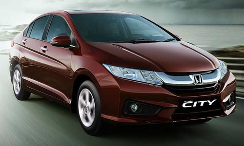 24 tuổi nên mua Honda City CVT hay Toyota Vios?