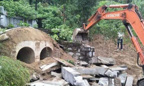 Trung Quốc đập bỏ hơn 70.000 ngôi mộ chờ người chôn