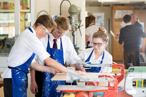 Du học sinh sẽ có cơ hội thực tập, làm việc ở môi trường hiện đại, chuyên nghiệp.