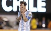 Vì sao Messi Äá há»ng 11m trong trận chung kết vá»i Chile?