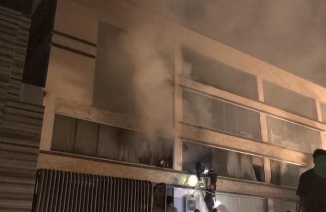 Xưởng bánh kẹo ABC ở Sài Gòn bốc cháy ngùn ngụt trong đêm