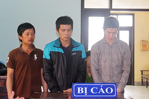 Ba bị cáo tại phiên toà. Ảnh: Dương Công Hợp