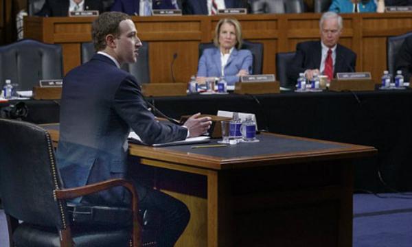Mark Zuckerberg tại phiên điều trần trước quốc hội Mỹ ngày 10/4. Ảnh: AP.