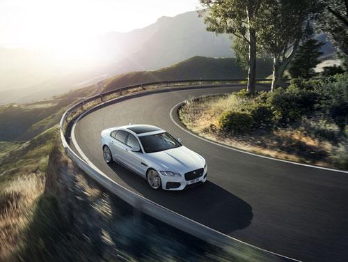 Jaguar XF là mẫu sedan bán chạy nhất của thương hiệu Jaguar trên toàn cầu cũng như tại thị trường Việt Nam tính đến đầu năm 2018.