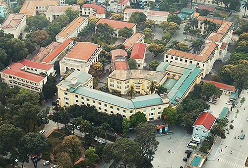 Khu đất của Sở Giao thông Vận Tải, Sở Tư pháp (trước đây là trụ sở Tỉnh ủy, HĐND, UBND Hà Sơn Bình) dự kiến được đấu giá sau khi các đơn vị này di dời về khu liên cơ tập trung của thành phố. Ảnh: Ngọc Thành.