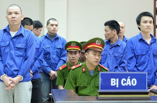 Tám tử tù tại phiên tòa phúc thẩm.