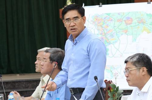 Phó Chủ tịch UBND tỉnh Đồng Nai Trần Văn Vĩnh cho rằng còn nhiều khó khăn, vướng mắc về quy định pháp luật trong việc hoàn thiện báo cáo khả thi. Ảnh: Phước Tuấn