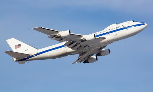 Chiếc E-4B số hiệu 73-1677 trong lần di chuyển hồi năm 2012. Ảnh: Jet Photos.