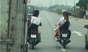 Đoàn rước dâu cản đường ôtô trên quốc lộ 1A