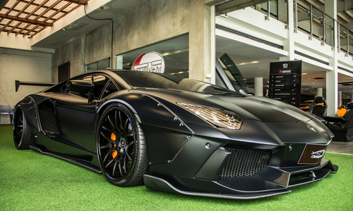 Lamborghini Aventador độ Liberty Walk hàng hiếm