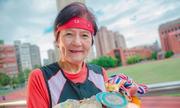 Cụ bà 81 tuổi leo núi, chơi tennis và chạy bộ 7 km mỗi ngày