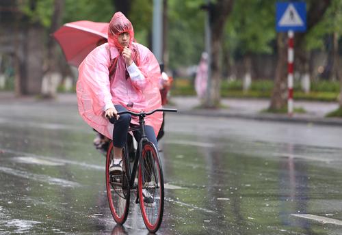 Miền Bắc cuối tuần mưa giông
