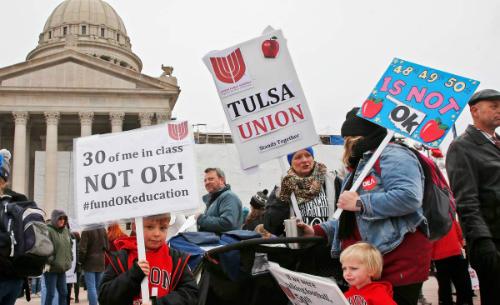 Giáo viên Mỹ ở bang Oklahoma chấm dứt 9 ngày biểu tình