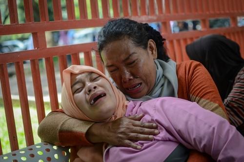 Hơn 100 người chết vì rượu rởm ở Indonesia