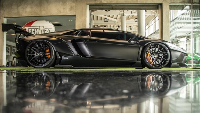 \'Siêu bò\' Lamborghini Aventador độ Liberty Walk hàng hiếm