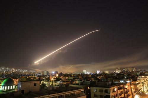 Thông điệp tránh đối đầu với Nga trong đòn tấn công Syria của Trump