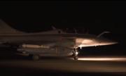 Pháp công bố cảnh máy bay quân sự xuất kích ném bom Syria