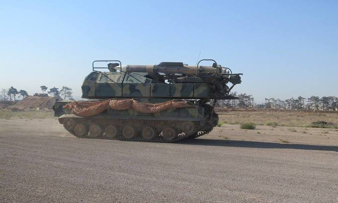 Cuộc đối đầu giữa dàn khí tài Mỹ và phòng không Syria