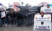 13.000 người biểu tình dưới mưa phản đối giá thuê nhà tăng vọt ở Berlin