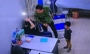 Bác sĩ bệnh viện Xanh Pôn bị người nhà bệnh nhi tát tới tấp