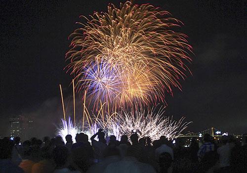 Đường dây nóng chống 'chặt chém' dịp lễ hội pháo hoa Đà Nẵng