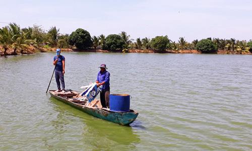 Long An phạt người tự ý đào ruộng lúa làm ao nuôi cá tra