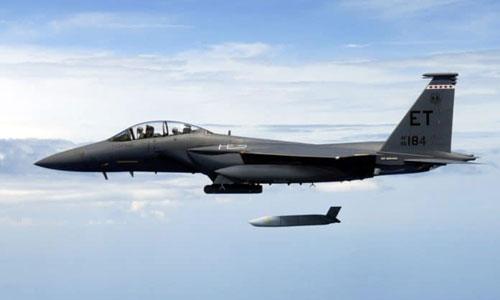 Tiêm kích Mỹ phóng thử nghiệm JASSM. Ảnh: Lockheed Martin.