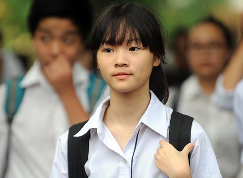 Thí sinh tham dự kỳ thi tuyển sinh vào lớp 10 ở Hà Nội.