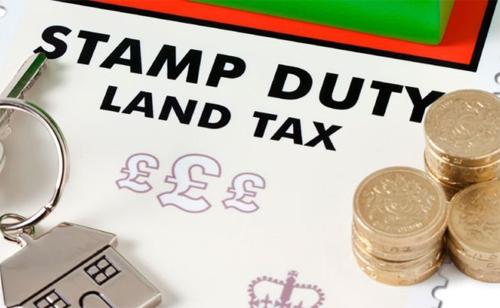 Thuế sở hữu nhà đất mang lại nguồn thu cao cho chính phủ Anh.