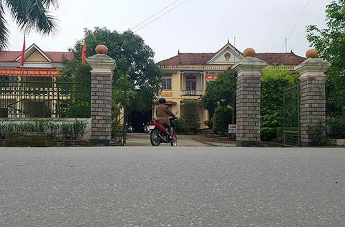 Trụ sở UBND xã Thiên Lộc, nơi có cán bộ nghỉ việc đi xuất khẩu lao động. Ảnh: Đức Hùng