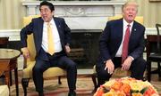 Thủ tướng Nhật đến Mỹ gặp Trump giữa bộn bề lo lắng