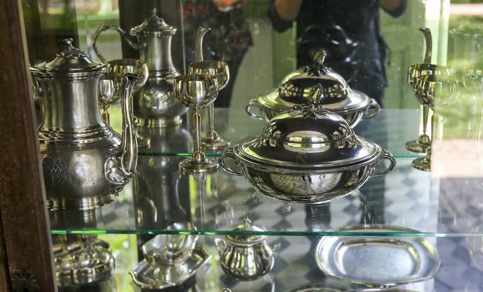 Những món đồ quý trong tòa nhà gần 150 năm tuổi ở Sài Gòn