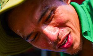 Người Sài Gòn vật vã trong nắng nóng oi bức