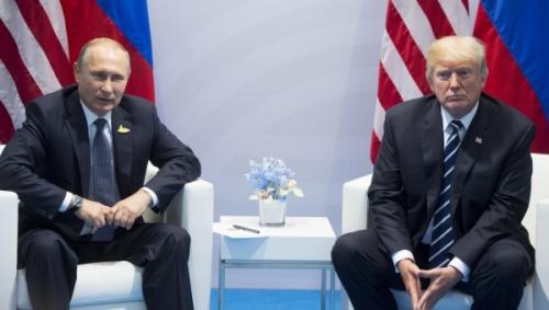 Tổng thống Nga và Mỹ trong một cuộc họp năm 2017. Ảnh: AP.