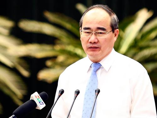 Ông Nguyễn Thiện Nhân chủ trì Hội nghị Thành ủy TP HCM lần thứ 16. Ảnh: Lê Nam.