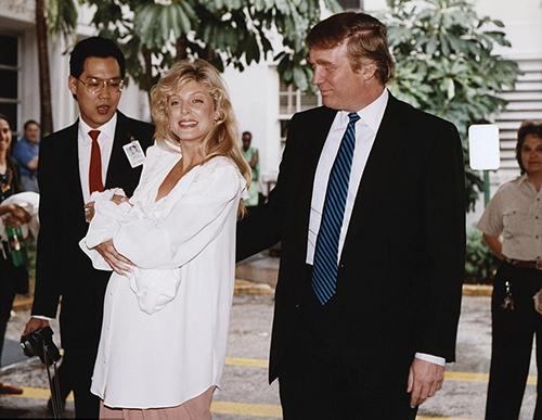 Cựu người mẫu Playboy khen Trump là 'người tình tuyệt vời'